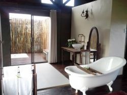 Luxury Tented Lodge Bathrooms