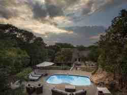 Monate Game Lodge swimming pool