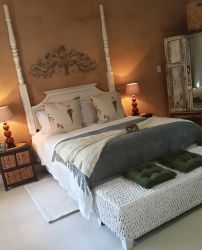 LOERIE EN-SUITE ROOM