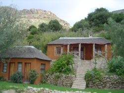Mojaki and Mpojane Cottages