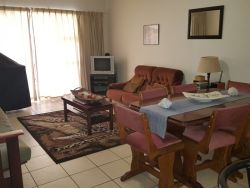 Mosselbay Accommodation Portobelo No.25 fully furnished lounge
