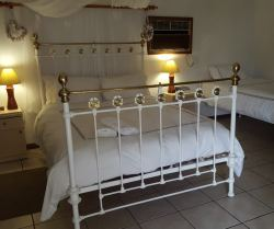 View of luxurious Garden bedrooms at Mountainview BB Ladismith