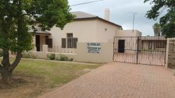 Ladismith Mountainview Self-catering units secure parking