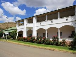 Full view of the front of Mountain View Country Inn, 36 Botha Street, Lady Grey, 9755