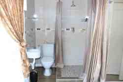 Ensuite toilet and shower in all rooms