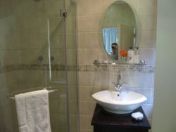 En Suite Bathrooms with Showers