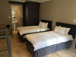 Suite2 Twin Bed