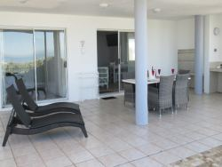 Seabreeze unit barbecue area with sea view.
