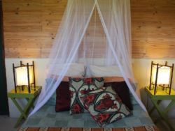 Marimba woodcutter Cottage bedroom
