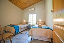 Pinotage House - Bedroom 4