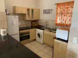 Fully Equipped Kitchen with Washing Machine & Tumble Dryer
