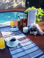 PTA East Guest Rooms Breakfast at the Pool