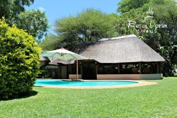 Re a Lora Lodge - Swimming Pool and Lapa Area