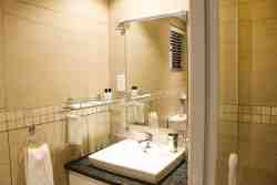 Standard room self catering Bathroom
