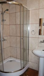 You will have two bathrooms available in our Oberdeck Apartment.