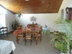 Flamingo Vlei Holiday House with 4 bedrooms pool and BBQ Dinning room