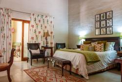 Shikwari Wild Fig Suite. Main Bedroom with Queen Bed.