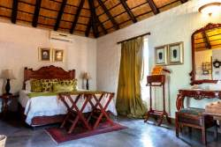 Shikwari Baobab Suite with private bathroom & outdoor shower