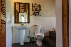 Shikwari Suites Bathrooms for Baobab, Jackelberry, Leadwood & Marula Suites