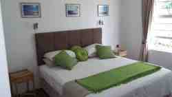 ROOMS - KINGSIZE BED