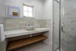 Separate shower and basin and separate toilet available
