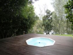 Communal Jacuzzi shared by the four bedroom villas