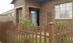 Stone Villa Guesthouse Witbank -entrance
