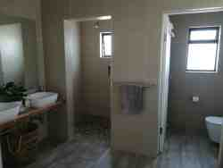 Main en-suite with double shower