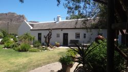 Authentic Karoo Thatched Cottage