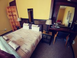 Room 4 Inside with sharing Bathroom 1 x Double bed & 1 x Single bed