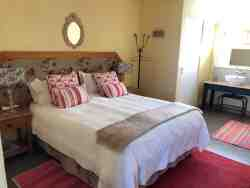 The Paddocks@Kuilfontein - luxury self-catering unit 4 double en suite bedroom