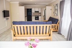 Fully equipped self catering unit. (Family Home)