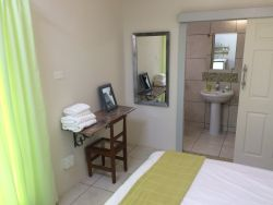 Ateljee:  Deluxe Room ensuite with kitchenette and Queen size bed: R600 per night