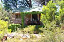 Eagle Cottage - Shady Trees, Splash Pool & Valley Views