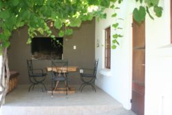 Vin Doux - open plan loft, self catering with outside BBQ area