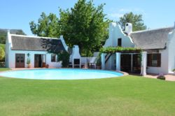 Wildepaardejacht pool area.