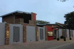 Perfectly positioned, up-market guesthouse situated in the quiet suburb of Die Heuwel in Witbank, Mpumalanga